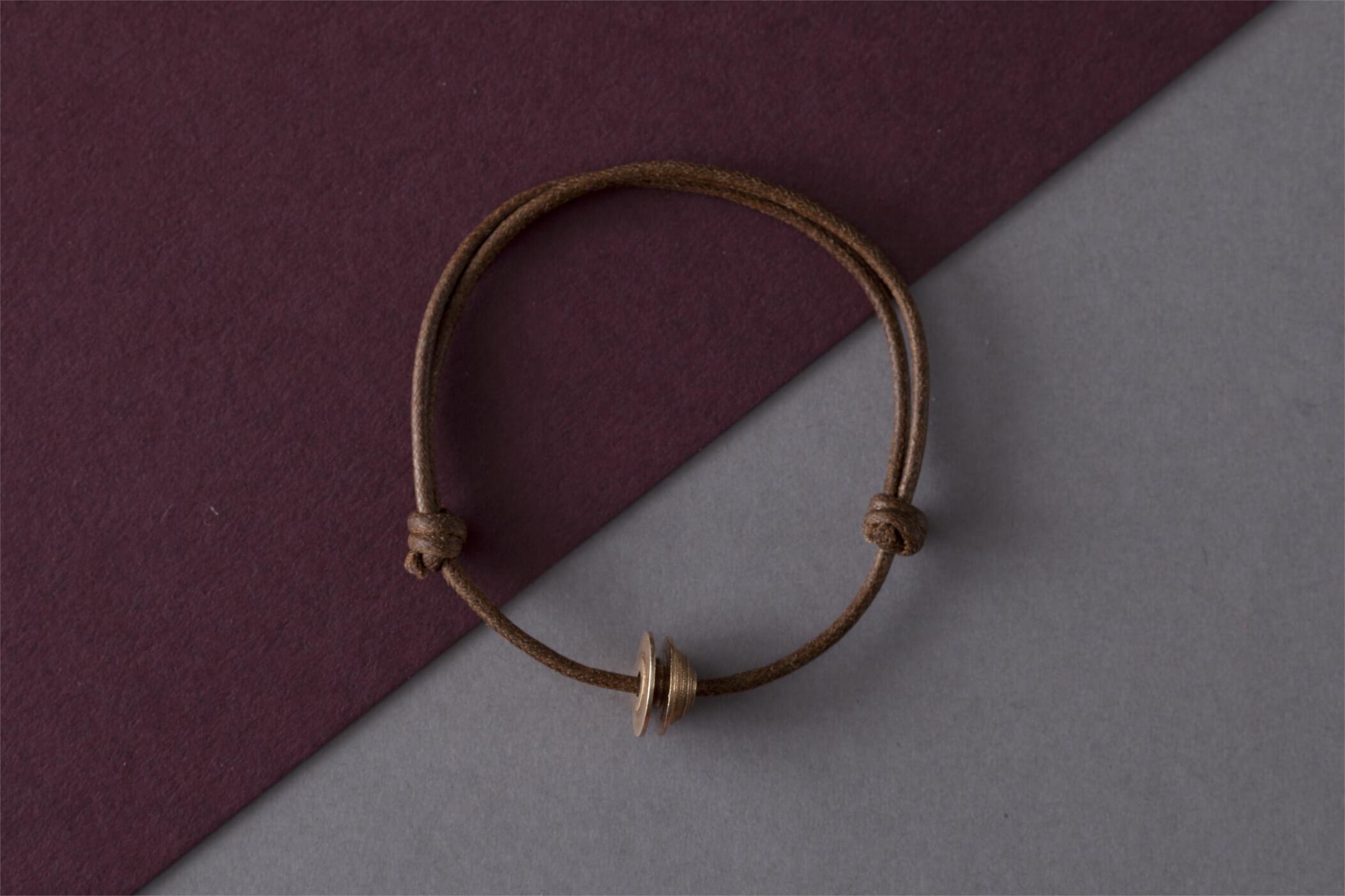 Bracciale in bronzo chiusura con nodi